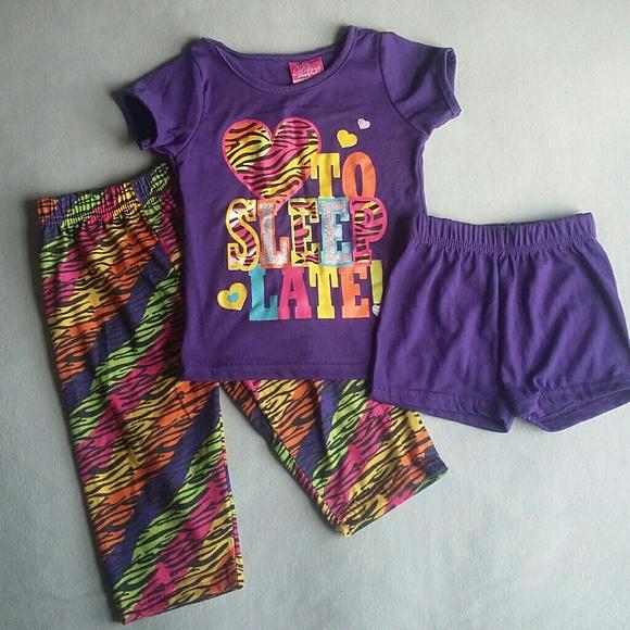 b86489a38697 Girls Purple Pajama Set Size 12 Months. M 5aca5b462ae12f0ab3e8fedf